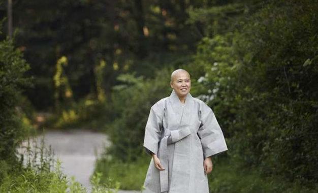 Buddhist Nun Publishes English Cookbook on Korean Temple Food