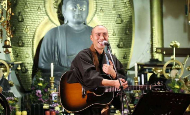 Japanese Monastics Share Ancient Buddhist Sutras Through Modern Music