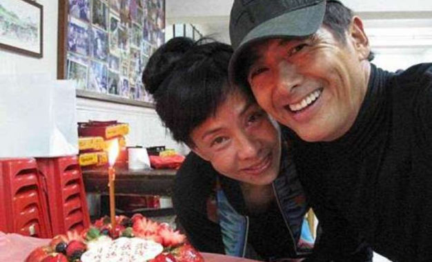 Buddhist Movie Star Chow Yun-fat Vows to Donate Fortune to Charity