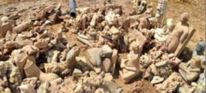 A farmer in Etawah district of Uttar Pradesh surprised all when he discovered 400 to 500 ancient Jain and Buddhist idols from a farmland while ploughing.