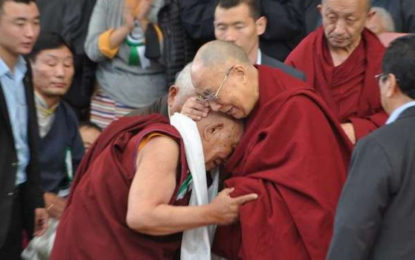 Dr. Yeshi Dhonden, Former Personal Physician to the Dalai Lama, Dies